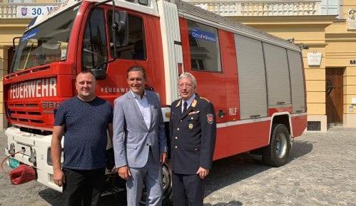 Poklon Beča: Vatrogasno vozilo za Žagubicu 2