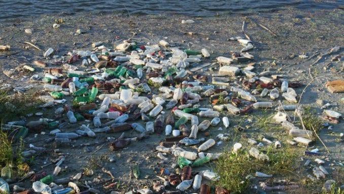 Ministarstva Srbije uklanjaju opasan otpad kod Smedereva 2