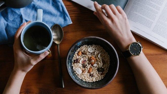 Deset zdravih užina za posao koje možete da držite u fioci radnog stola 4