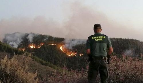 Oko 4.000 ljudi evakuisano zbog požara na Kanarskim ostrvima 14