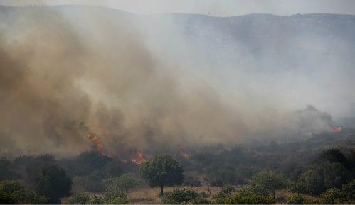 Blizu Epidaurusa u Grčkoj izbio šumski požar 4