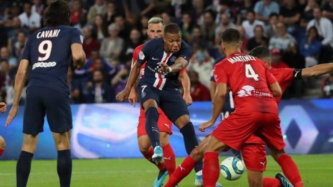Stadioni u Francuskoj se otvaraju za navijače od 11. jula, dozvoljeno samo po 5.000 8