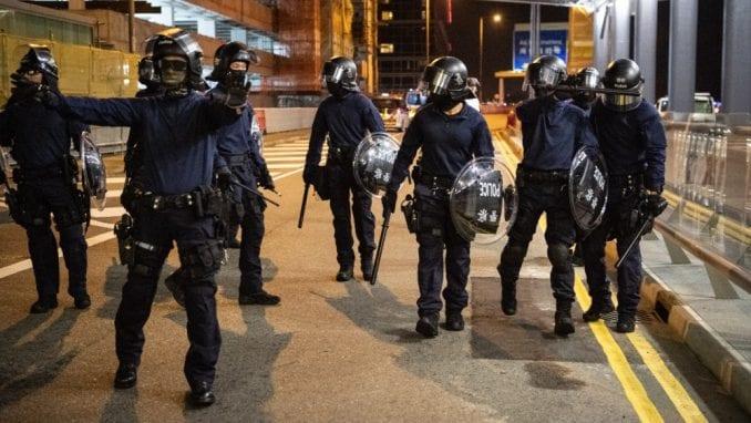 Policija u Hongkongu nakon 12 dana otvorila prilaz univerzitetskom kampusu 2