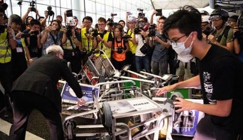 Hong Kong: Policija ispraznila aerodrom 12