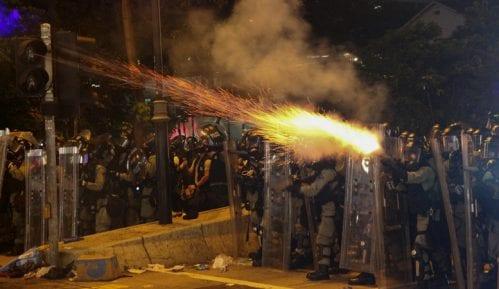 Hong Kong: Protesti sve nasilniji 10