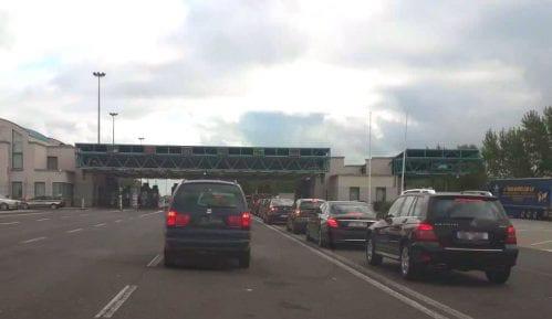 Zadržavanje za putnička vozila na Horgošu, na izlazu, pola sata 4