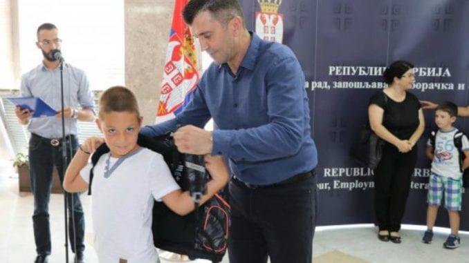 Đorđević: Đačke torbe za đake prvake 1