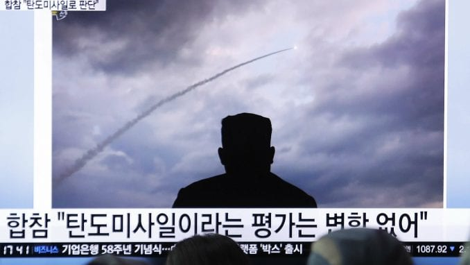 KCNA: Kim Džong Un nadgledao probu novog bacača raketa 4