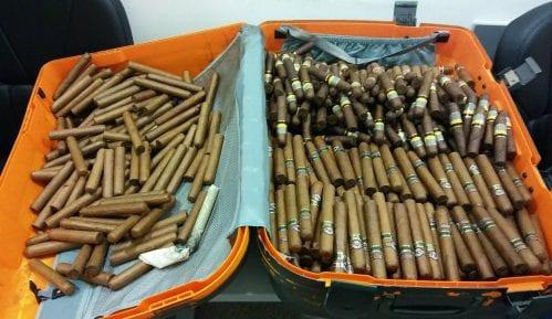 Carinici zaplenili gotovo 2.000 kubanskih cigara 7