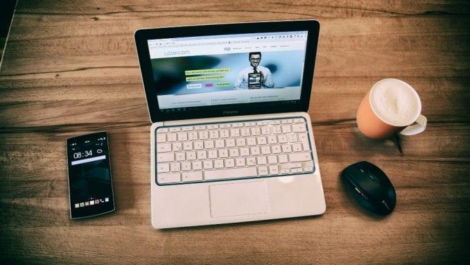 Koliko online vremena provodimo na računaru, a koliko na telefonu? 2
