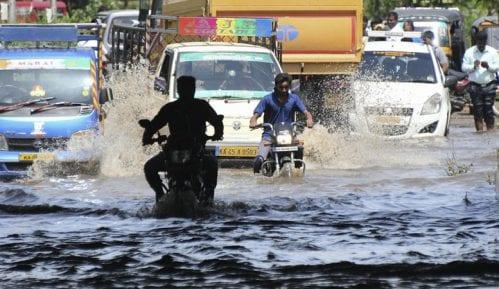 U Indiji 184 osobe stradale u monsunskim poplavama, milion raseljeno 14