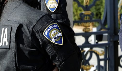 MUP Hrvatske: Do ranjavanja migranta došlo slučajno, policajac se okliznuo 1