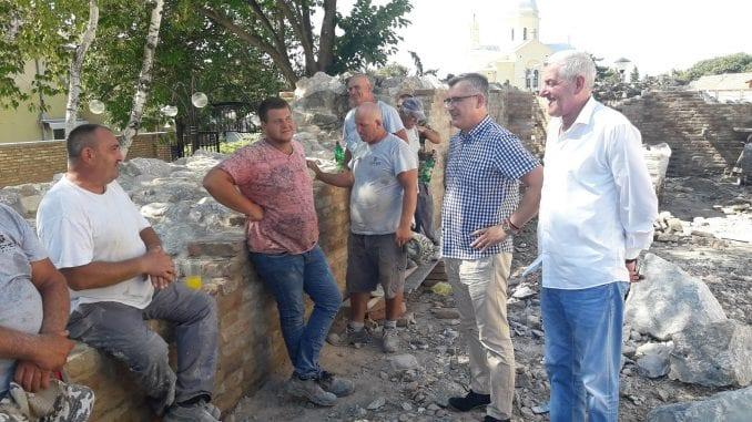 Rukovodstvo opštine Zemun obišlo radove na Gardoškoj tvrđavi 1