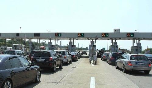 Saobraćaj usporen zbog oštećenja posle nevremena 15