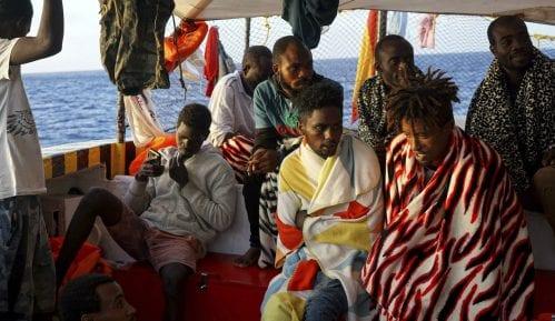Španija spremna da prihvati deo migranata sa humanitarnog broda 6