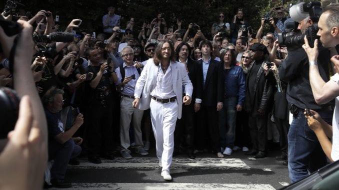 Obožavaoci obeležili 50 godina izlaska albuma Bitlsa Abbey Road 1