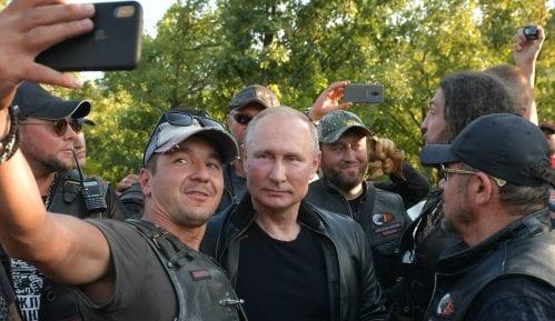 Ukrajina protestuje zbog Putinovog odlaska na Krim 7