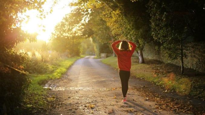 Možete da smršate ako hodate samo 30 minuta dnevno - ali postoji caka 1
