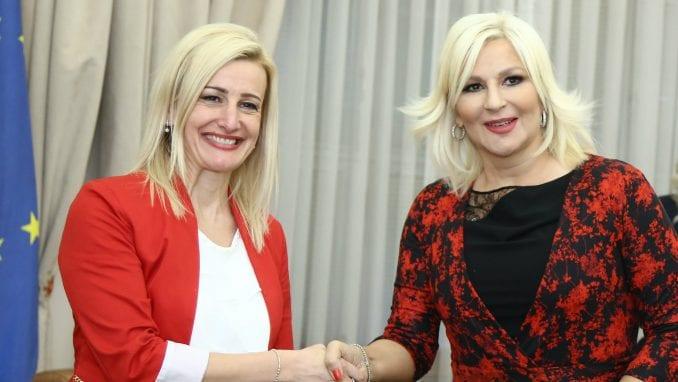 Mihajlović i NALED: Nastavljamo reformu građevinskog sektora, podrška ženama sa sela 4
