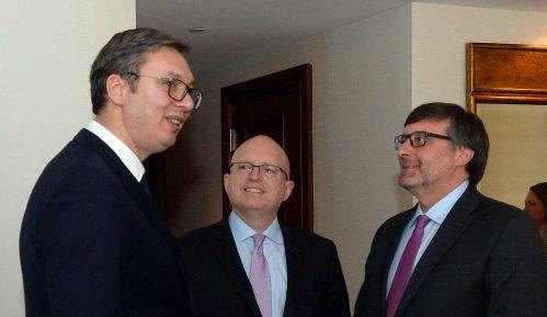 Zapad obećava i finansijsku pomoć za priznanje Kosova 2