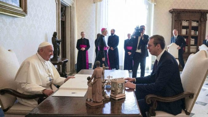 Papina poseta bi doprinela pomirenju naroda u regionu 4