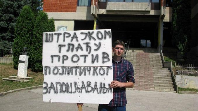 Učitelj prekinuo štrajk glađu protiv stranačkog zapošljavanja 3