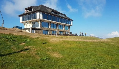 Investitorka počela uklanjanje nelegalnog objekta na Pančićevom vrhu, radovi nisu prijavljeni 3