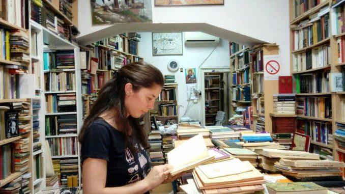 Moderna bibliotekarka: Devojka sakuplja knjige za seoske škole i bolnice 3