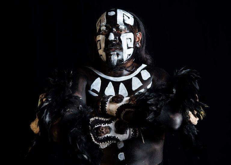 Meksički plesač Isak Luna koji predstavlja boga mrtvih