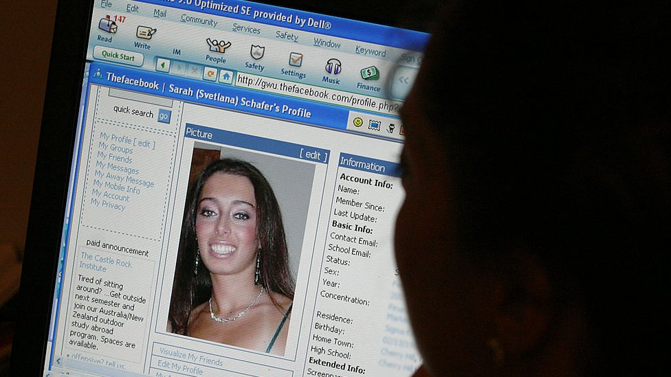 Facebook page in 2004