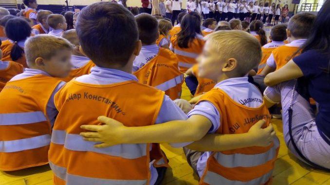 """Školske uniforme u Nišu: """"Dok su u školi, biće jednaki"""" 3"""