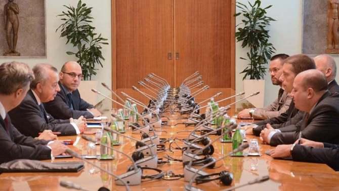 Đurić sa šefom UNMIK-a o bezbednosnoj situaciji na Kosovu i izveštaju za Savet bezbednosti 2