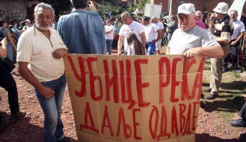 U Toplom Dolu održan protest meštana protiv gradnje MHE 6