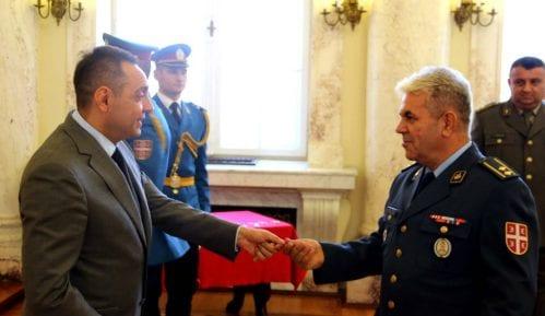 Vulin uručio ključeve 20 stanova aktivnim i penzionisanim pripadnicima Ministarstva odbrane i VS 3