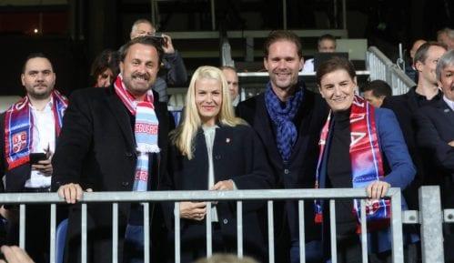 Vlada Luksemburga platila put premijerkinoj partnerki 11