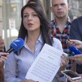 Zašto se ometaju baš skupovi Marinike Tepić? 2