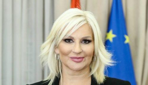 Mihajlović narandžastim autobusom otvara kampanju protiv nasilja nad ženama 7