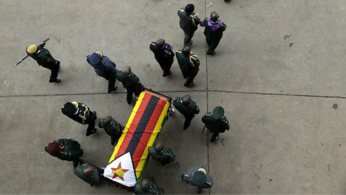 Ceremonija državne sahrane za Mugabea u Zimbabveu, pokop odložen za mesec dana 3
