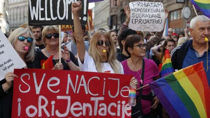 Prva Parada ponosa u Sarajevu, okupili se protivnici, stigla podrška iz Srbije (VIDEO) 1