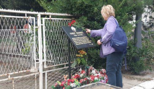 Trajković otpočela predizbornu kampanju na mestu na kojem je ubijen Ivanović (VIDEO) 5