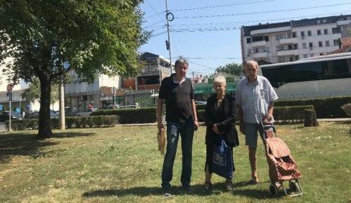 Stanari Sinđelićevog trga u Nišu čuvaju drveće zbog javne garaže 14