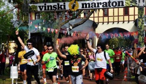 Trčanje, vino i odlična zabava na  Vinskom maratonu na Paliću 2