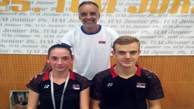 Trofej i vicesampionska titula Svetskog juniorskog kupa u Sloveniji 3