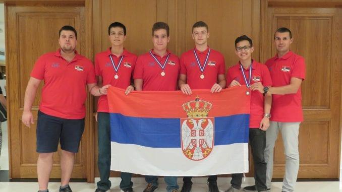 Mladi informatičari Srbije najbolji na Balkanu 4