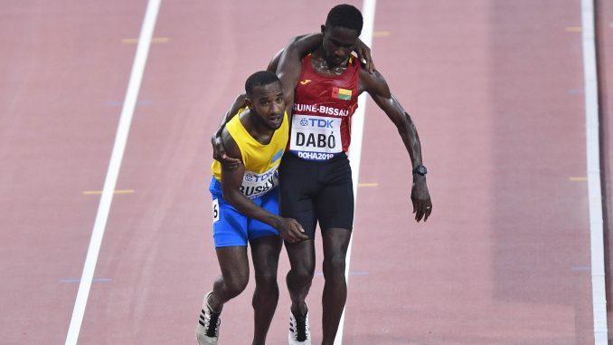 Trkač na 5.000 metara pomogao rivalu da prođe kroz cilj na SP u Dohi 1