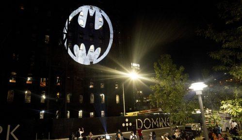 Proslavljen 80. rođendan Betmena slanjem šišmiš signala u nebo 4