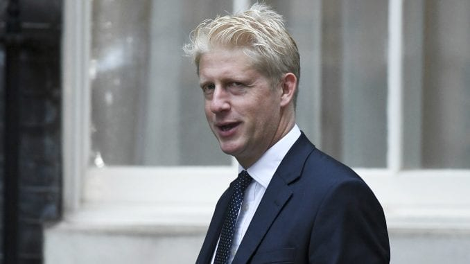 Brat Borisa Džonsona napustio britansku vladu 1