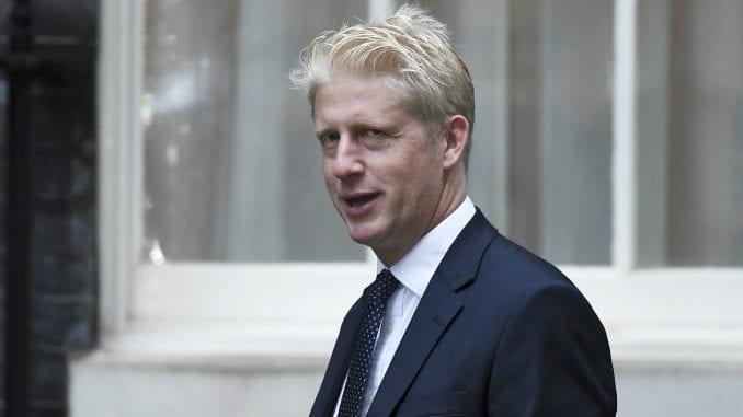 Brat Borisa Džonsona napustio britansku vladu 4