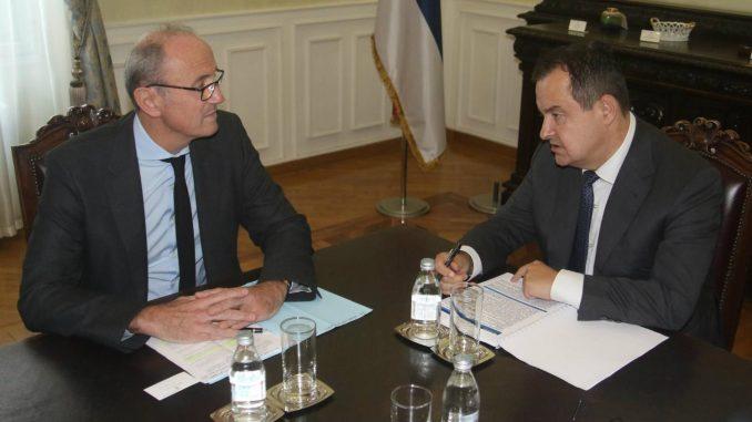 Dačić sa ambasadorom Francuske: Podstrek bilateralnoj saradnji dala poseta Makrona 1