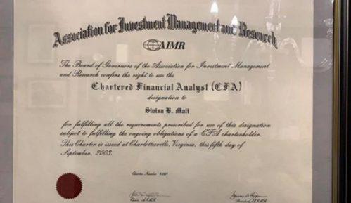 Mali na Instagramu objavio fotografije svojih diploma i priznanja (FOTO) 14